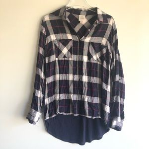 Knox Rose Size Med Plaid Button Up Shirt